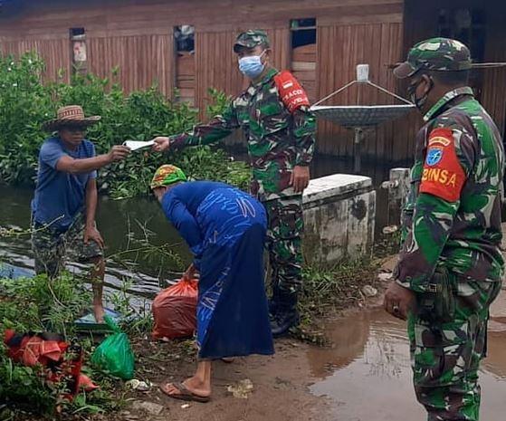Babinsa Koramil 1015-15/Telaga Pulang gencarkan PPKM Mikro Di Wilayahnya