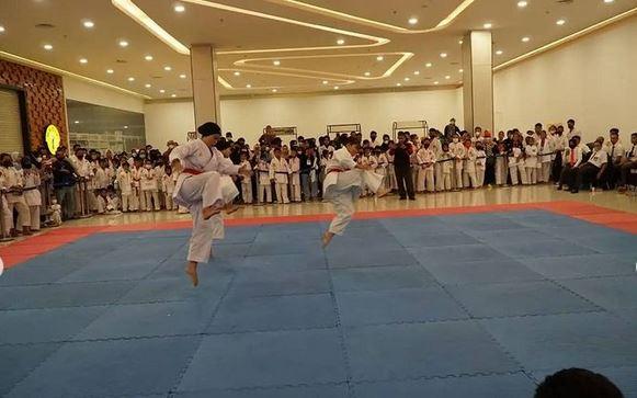 Kuala Kapuas– Komando Distrik Militer (Kodim) 1011 Kuala Kapuas menggelar kejuaraan karate yang dilaksanakan tanggal 17 Oktober 2021 yang di gelar di City Mall Kuala Kapuas.