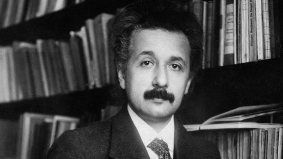 Эйнштейн в 1916 году