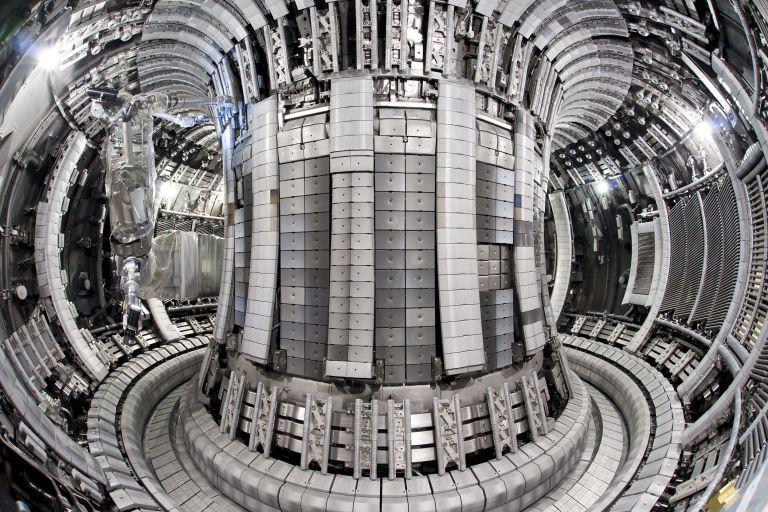 Внутри термоядерного реактора JET
