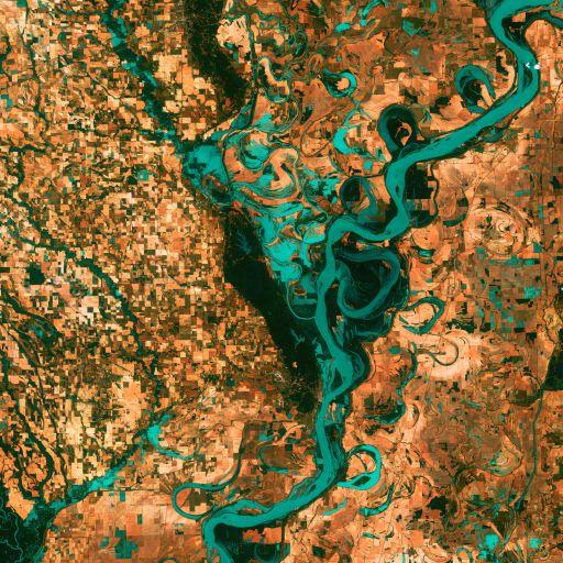 Извилистая Миссисипи, Landsat 7, снято 28 мая 2003 года
