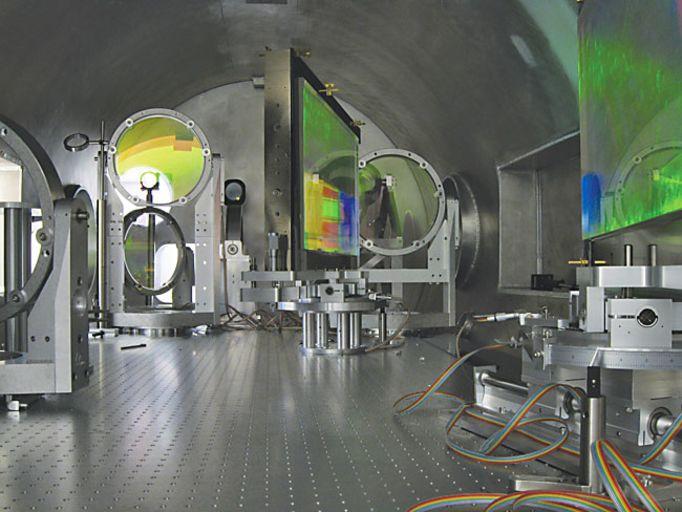 Так выглядят дифракционные зеркала, используемые в Техасском петаваттном лазере.