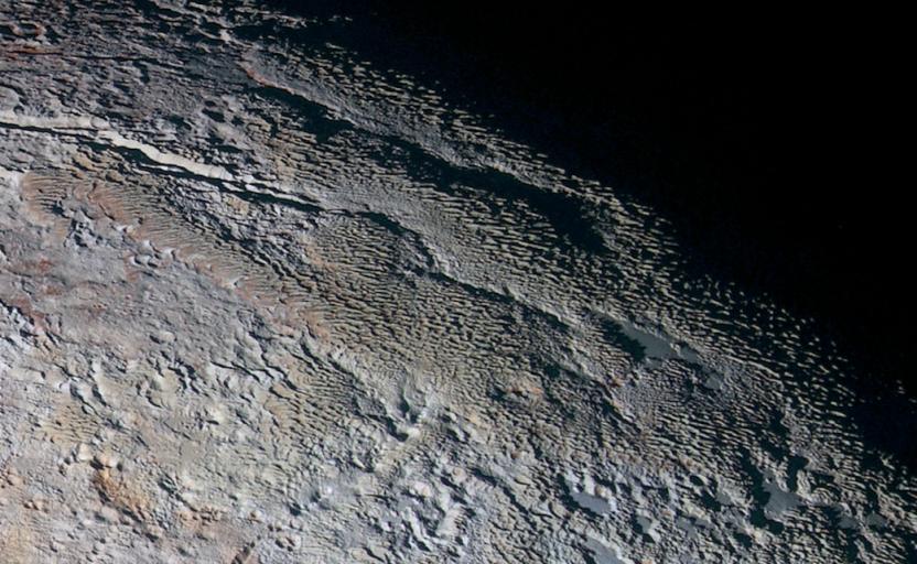 холмистая поверхность плутона
