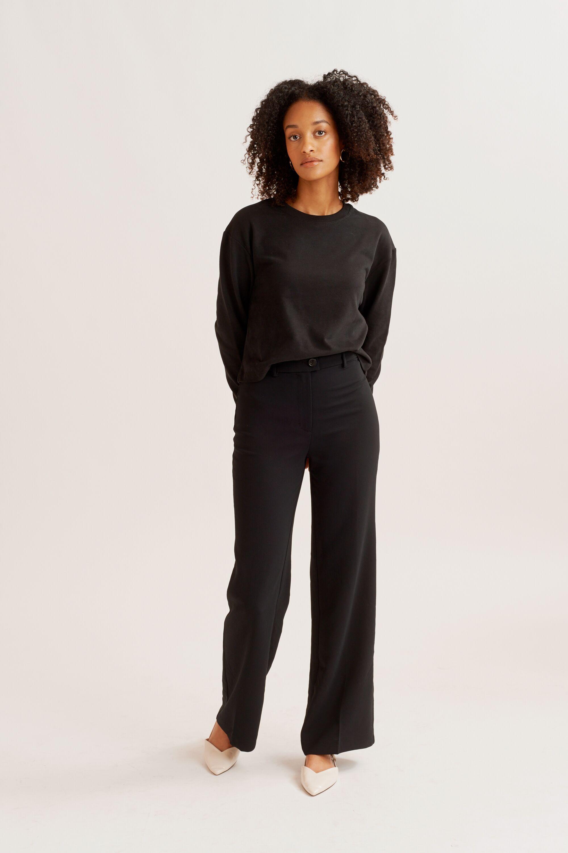 Airy Sweatshirt in Black