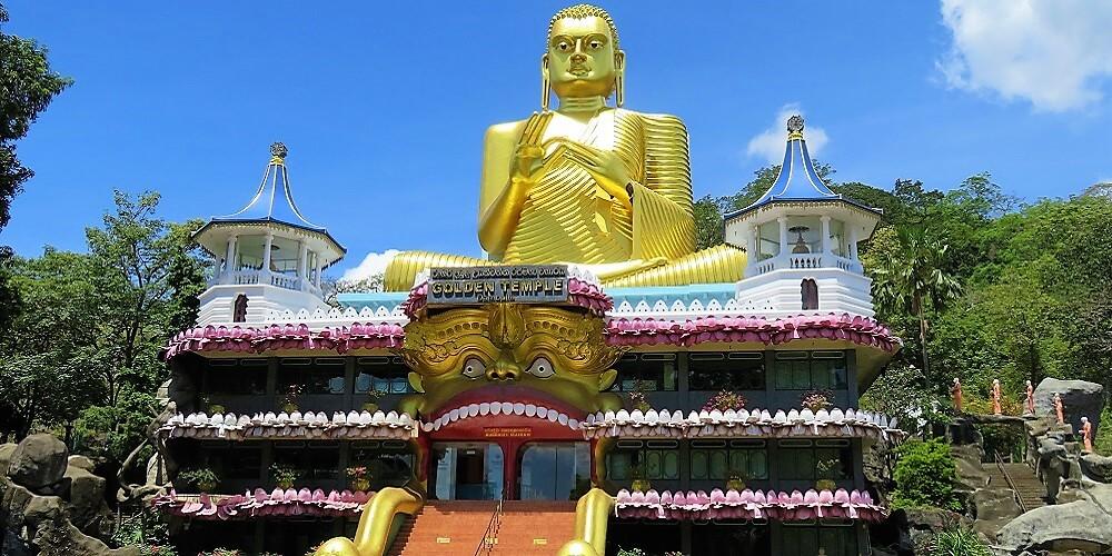 dambulla cave temple buddha entrance