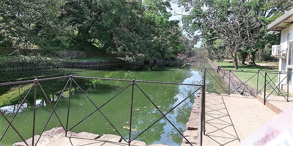 sigiriya moat palace
