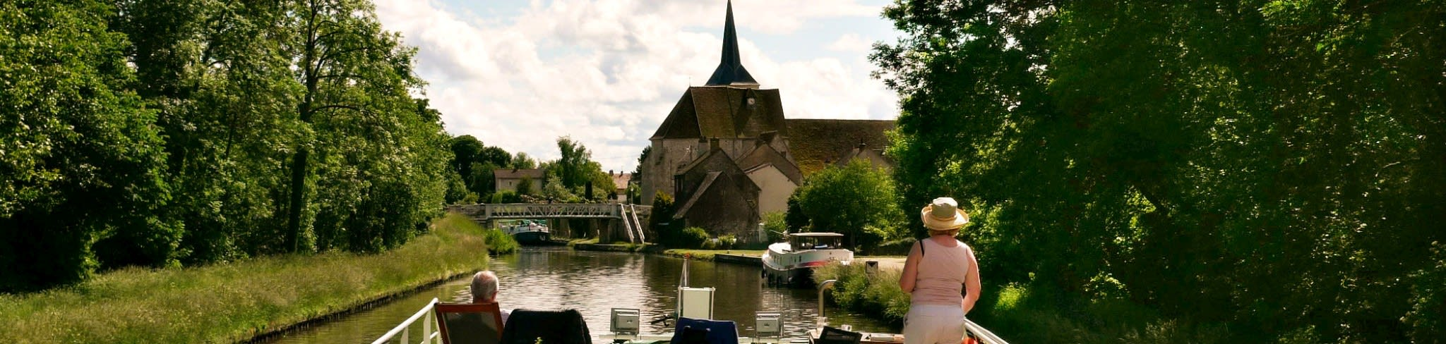 Upper Loire cruise, arriving at Montbouy