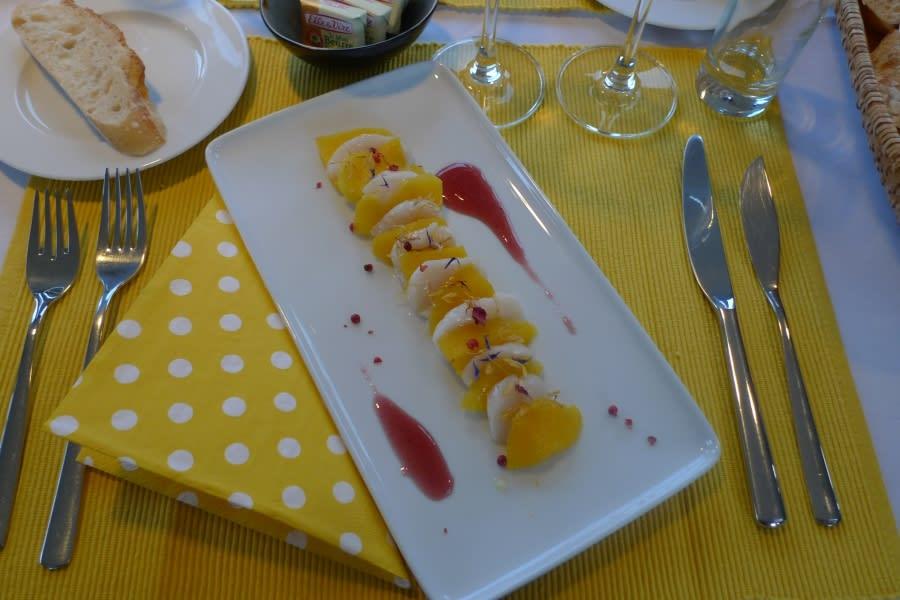 mango and scallops starters on barge Johanna