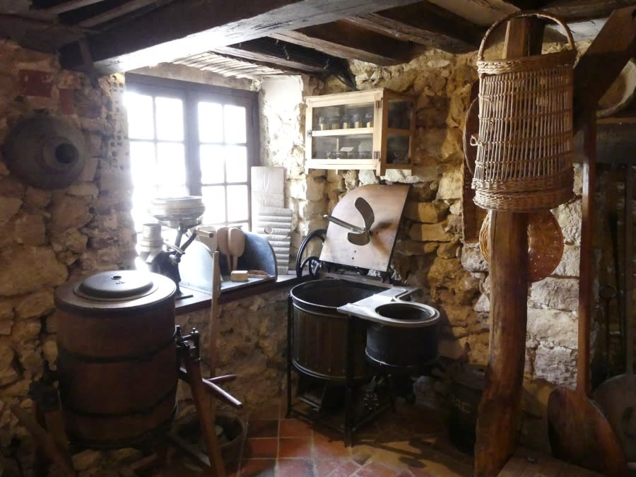 Oeuilly folklore museum
