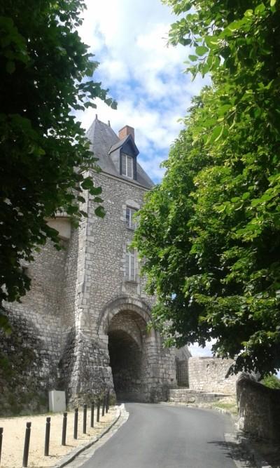 Oude toeganspoort van Montargis