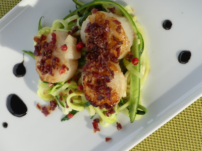 Entry with scallops
