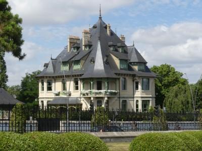 Reims Villa Demoiselle