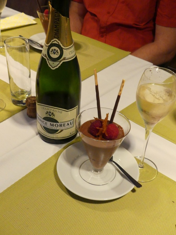Chocolade and champagne dessert