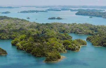 Luftbild des Panama-Kanals