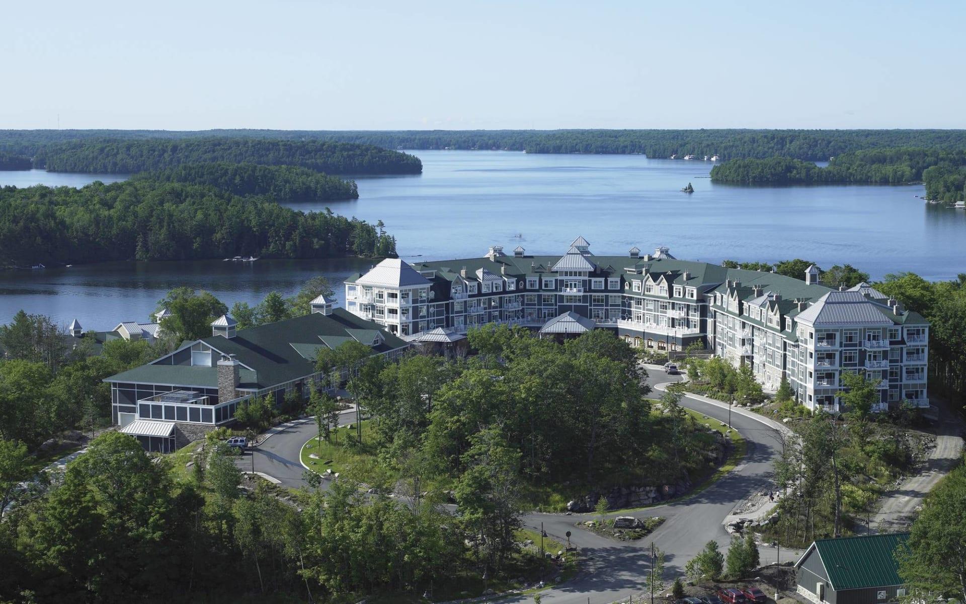 JW Marriott The Rosseau Muskoka Resort & Spa: _ exterior JW Marriott Muskoka Sicht auf Lake Rousseau