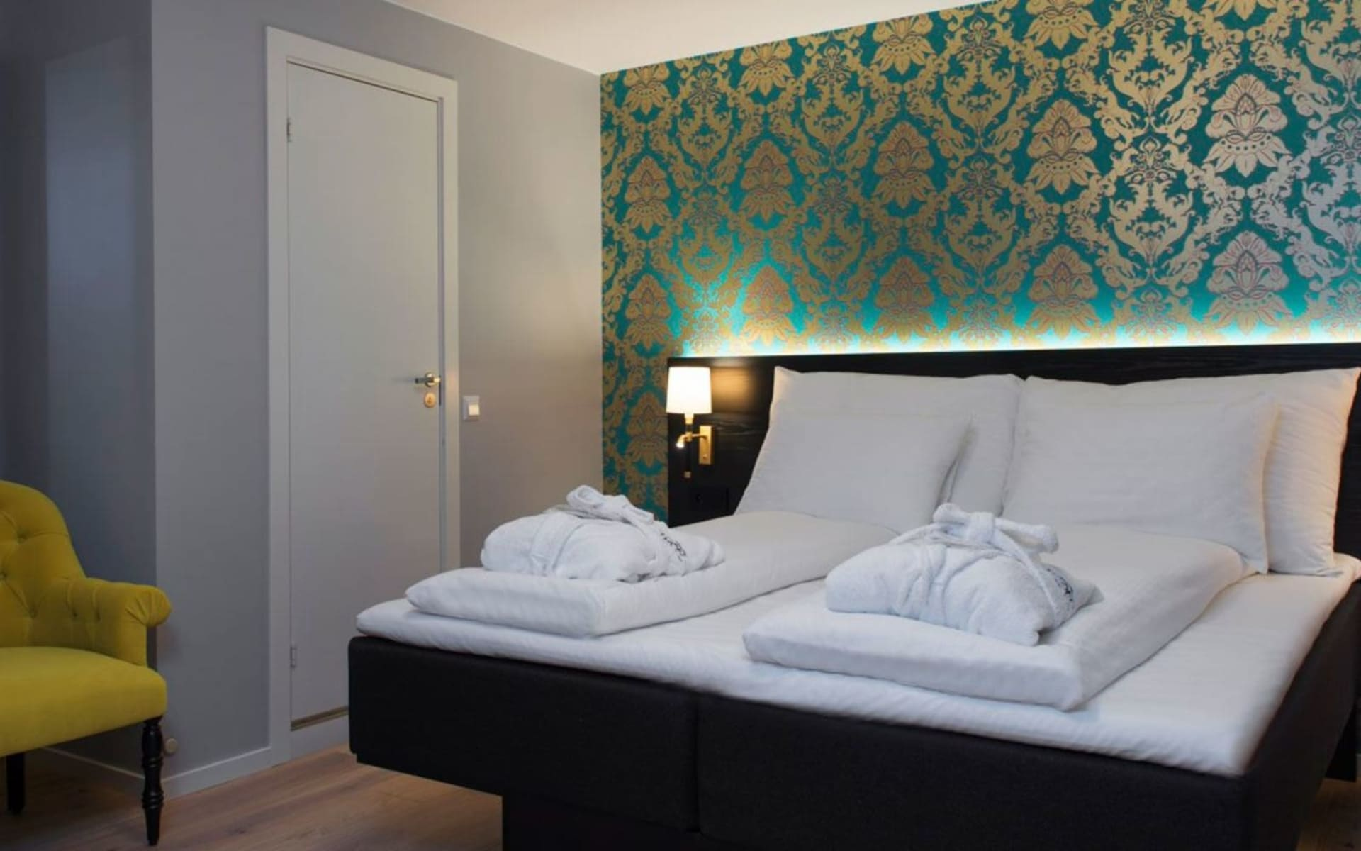 Thon Hotel Rosenkrantz in Bergen: ©Thon Hotels_thon-hotel-rosenkrantz-bergen-standard-room-queen-2