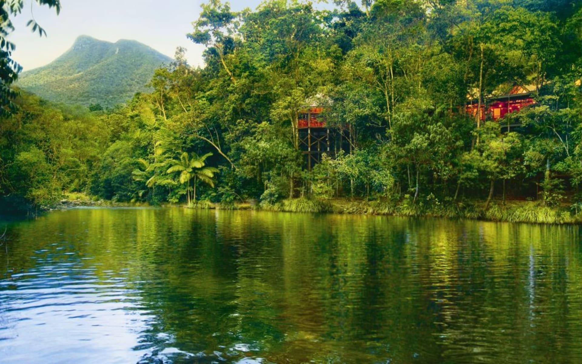 Silky Oaks Lodge in Mossman: 16_162_01_SILKY OAKS_8 River veiw to Lodge