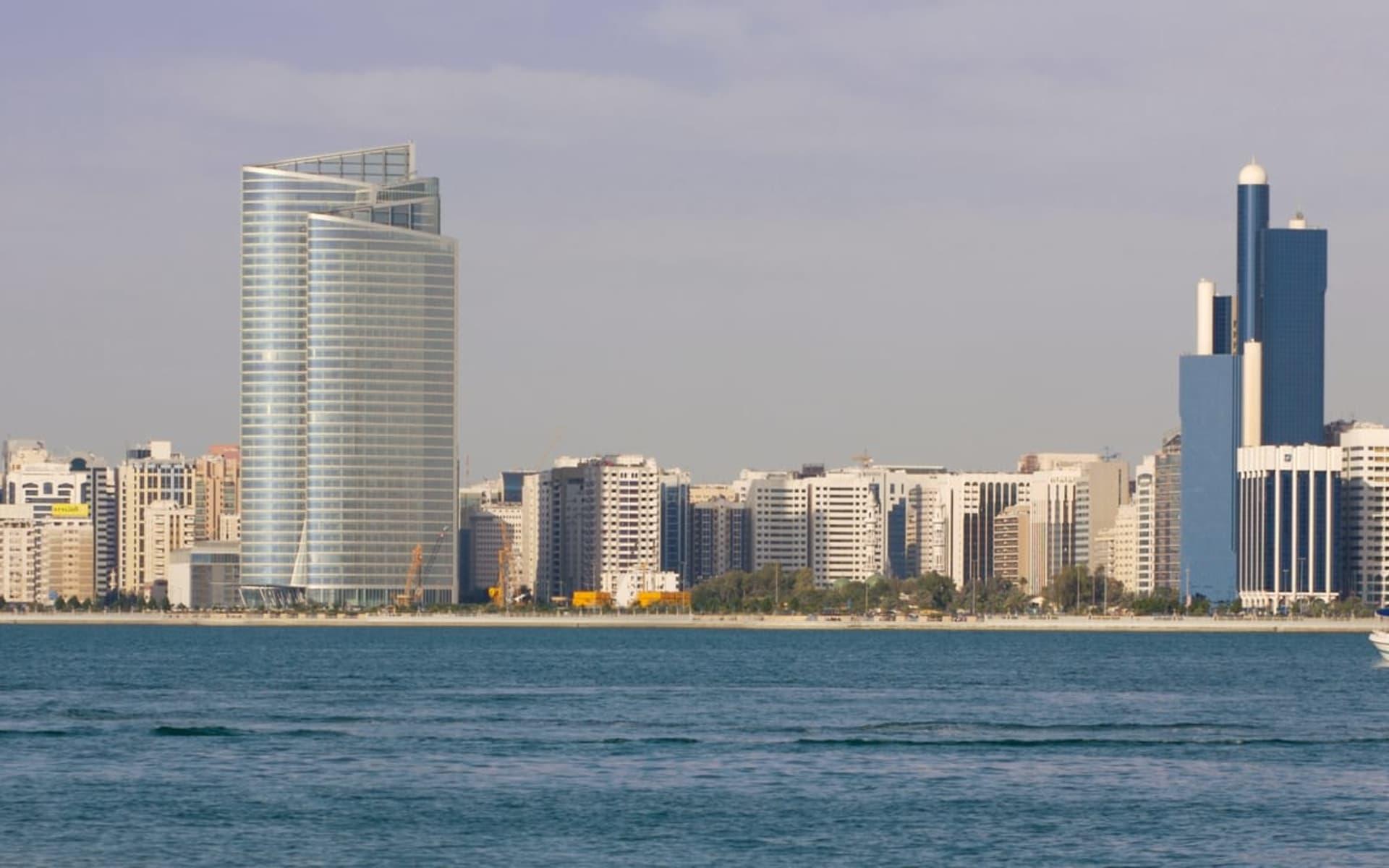 Entdecken Sie die Emirates auf eigene Faust ab Dubai: Abu Dhabi Corniche