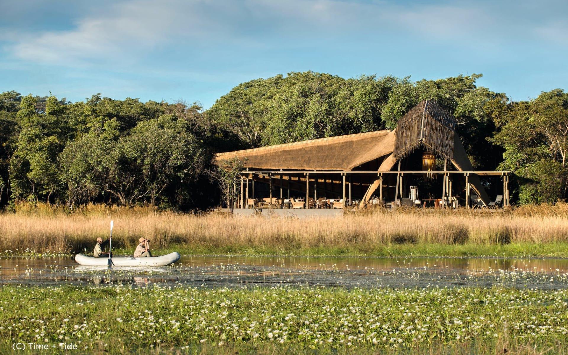 King Lewanika Lodge in Liuwa Plain:  King Lewanika - Mokoro Tour c Time+Tide