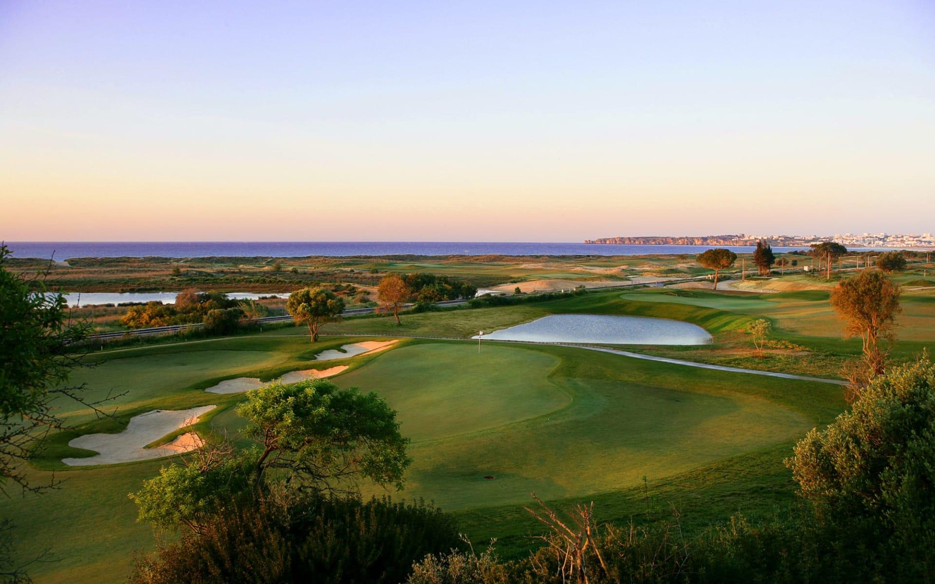Onyria Palmares Beach & Golf Resort in Lagos:  Lagos #13 green