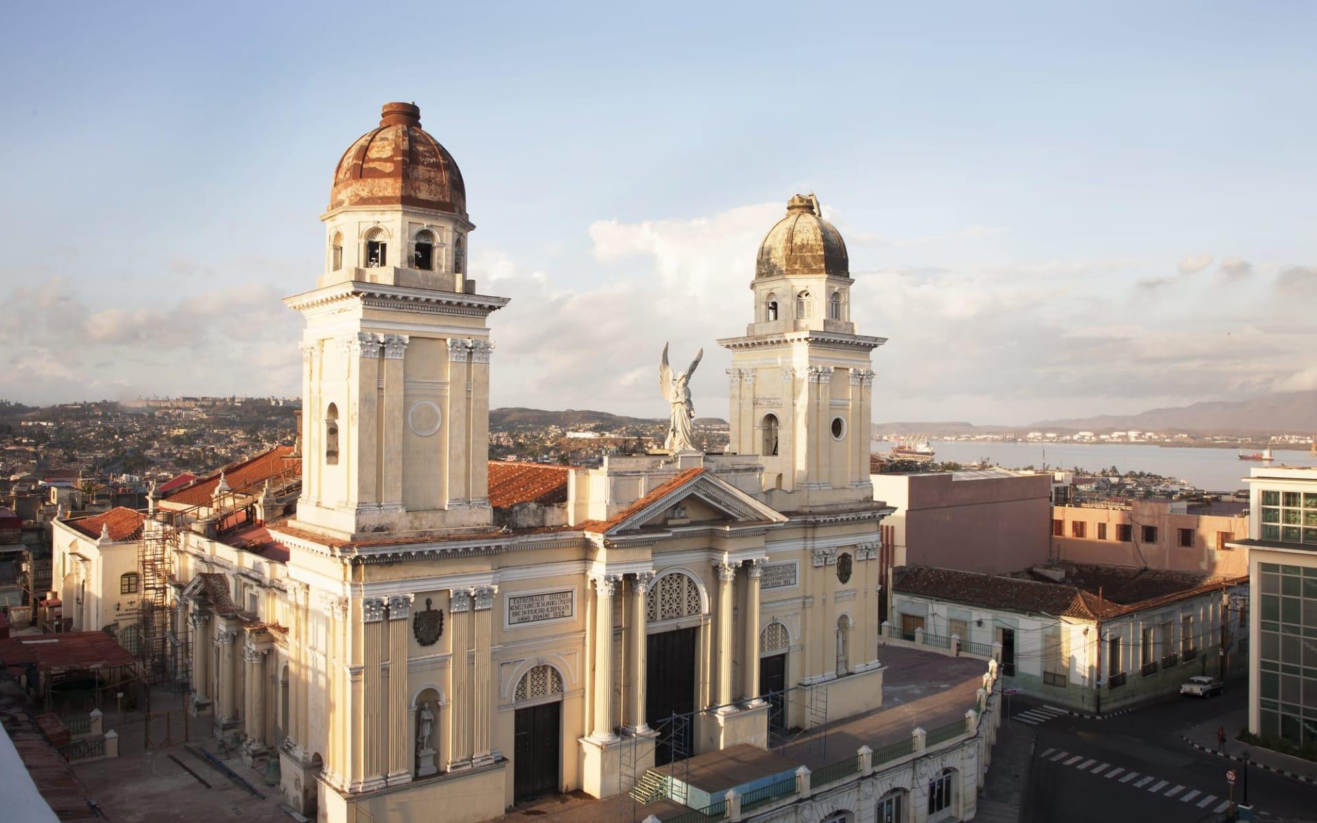 Cuba von West nach Ost ab Havanna: activities: Stadt Santiago de Cuba - Kuba Kirche C