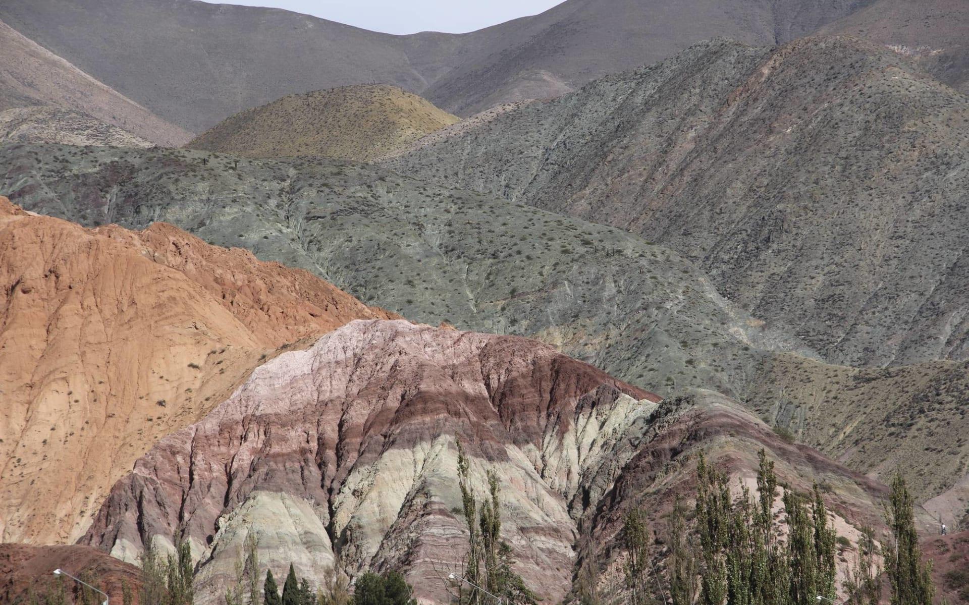 Salta - Salta: Argentinien - Purmamarca - farbige Hügel