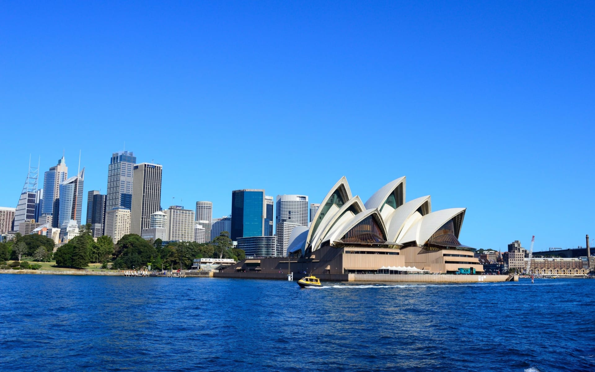 Pacific Coast Touring Route ab Sydney: Australia - New South Wales - Sydney - City Skyline - Shutterstock Jason Ho
