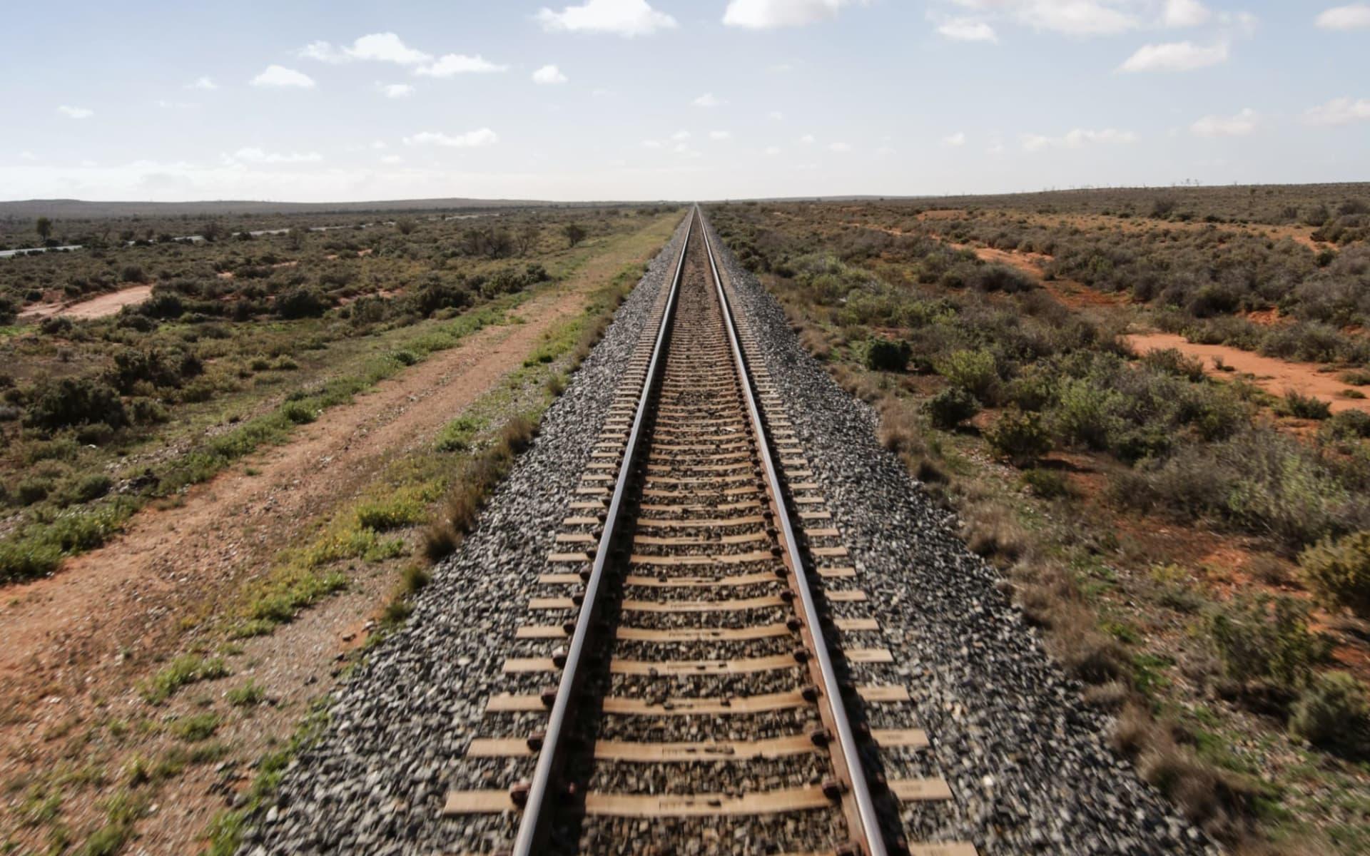Indian Pacific von Sydney nach Adelaide: Australien - Bahnreisen - Indian Pacific Gleis