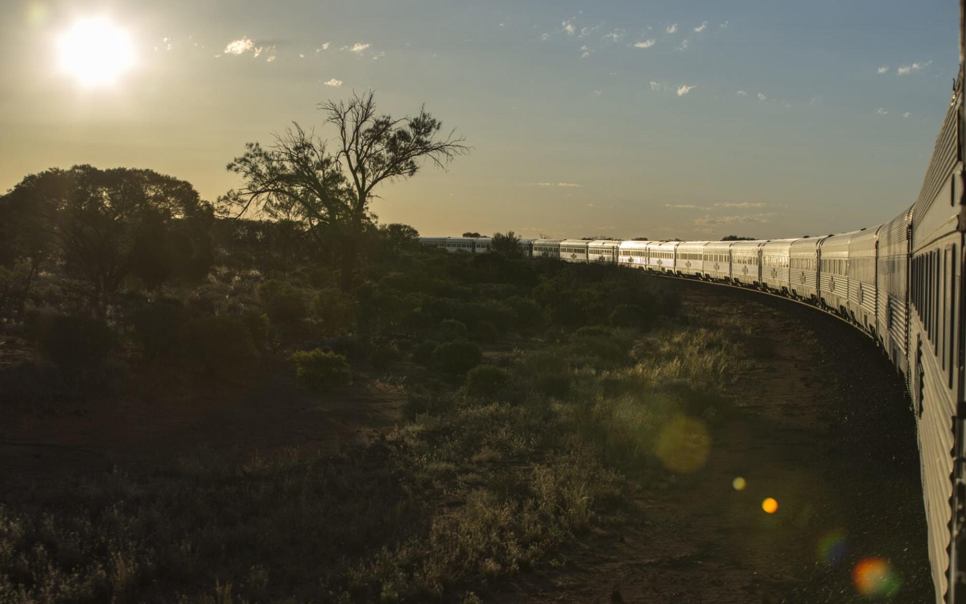 Indian Pacific von Adelaide nach Sydney: Australien - Bahnreisen - Indian Pacific mit Sonne
