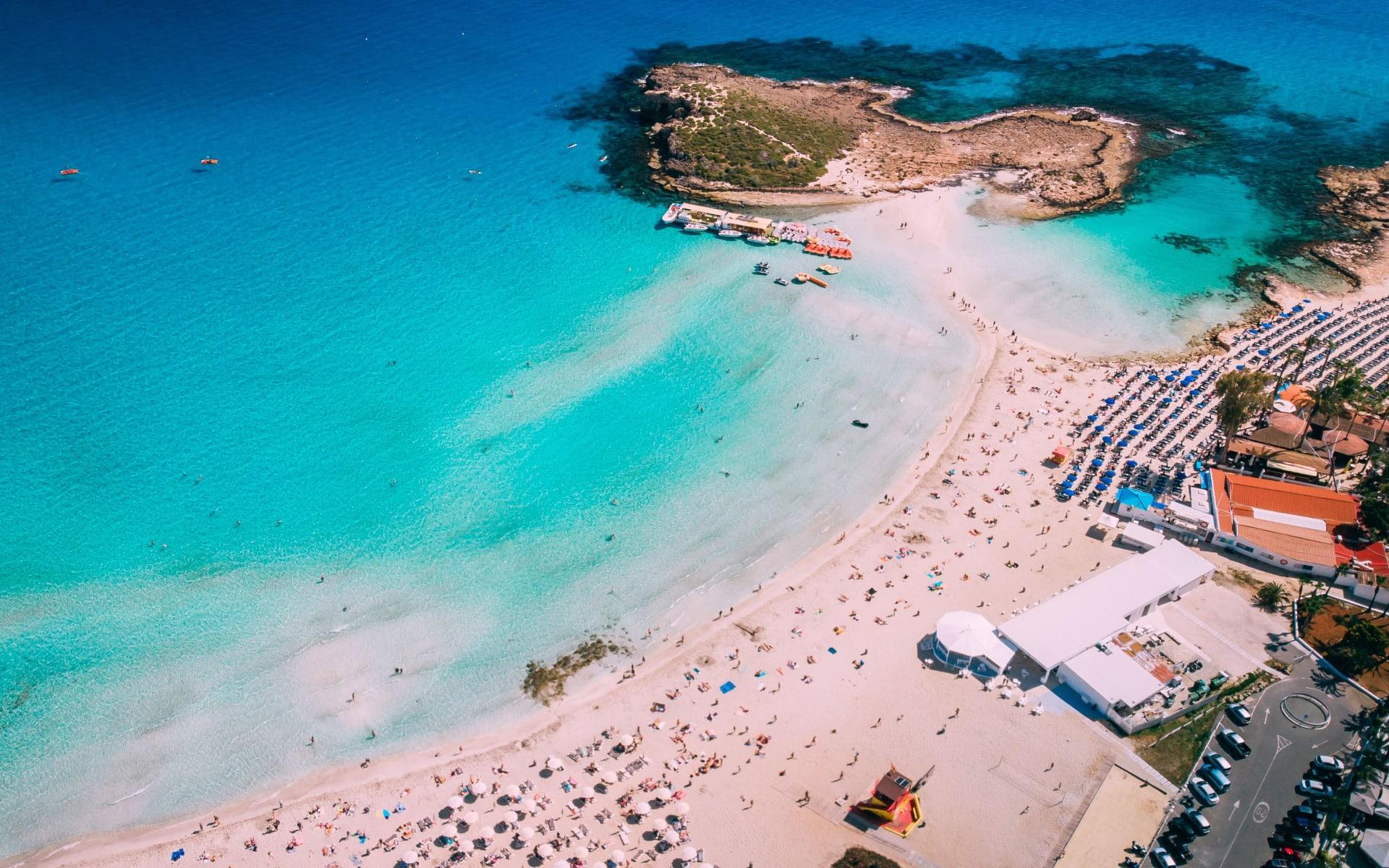 Badeferien im Napa Mermaid Hotel & Suites ab Aya Napa: Ayia_Napa_Nissi_Beach_