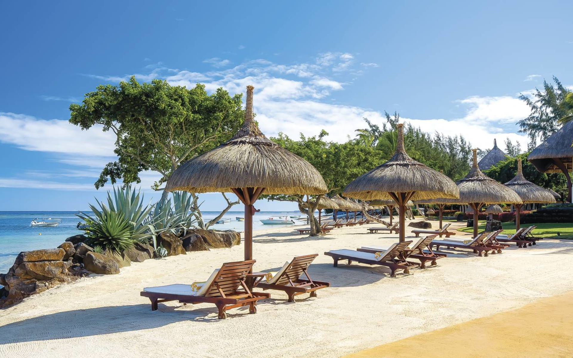 The Oberoi Beach Resort Mauritius in Pointe aux Piments: