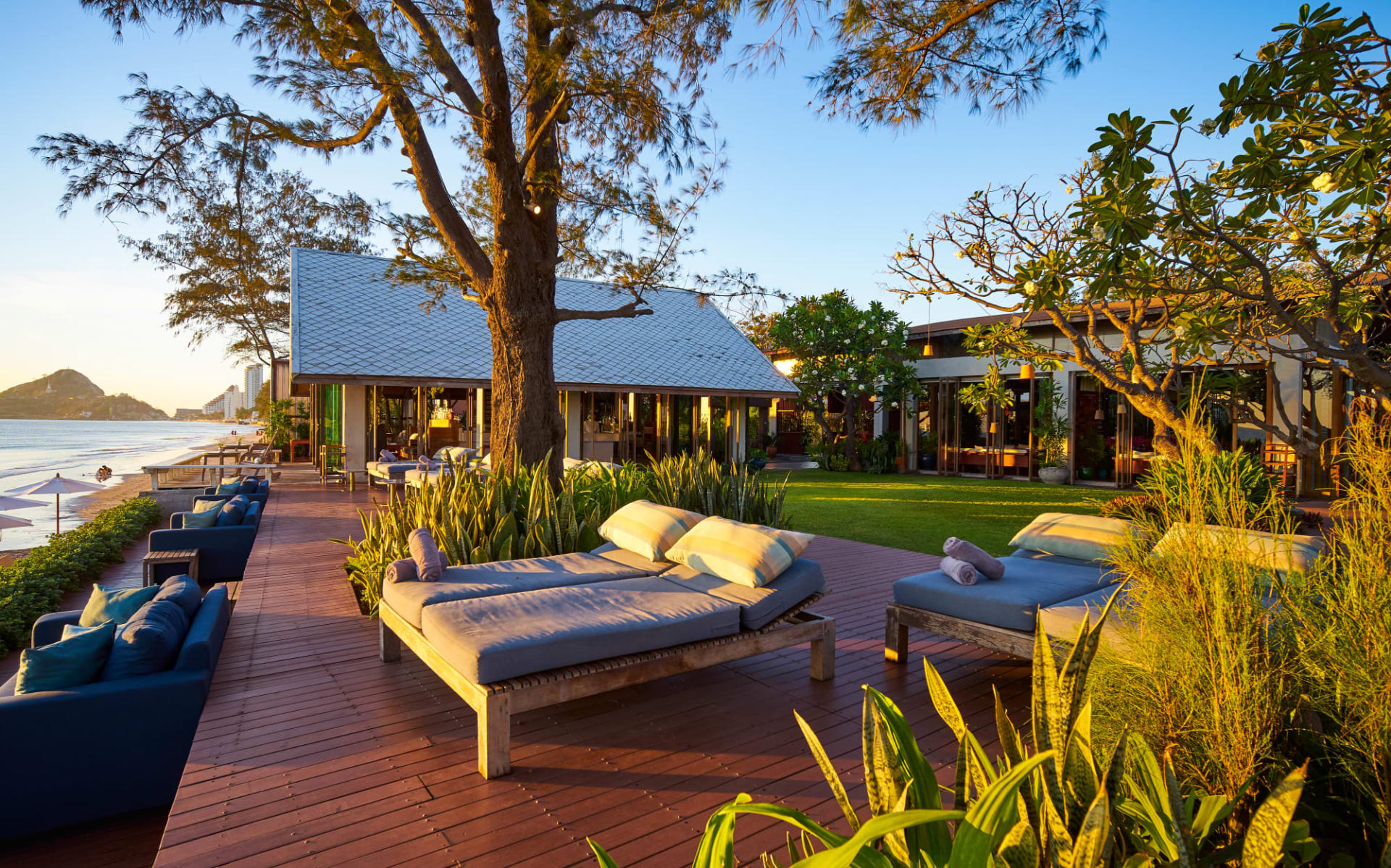Let's Sea Hua Hin Al Fresco Resort: Exterior Beachfront with Bar & Restaurant