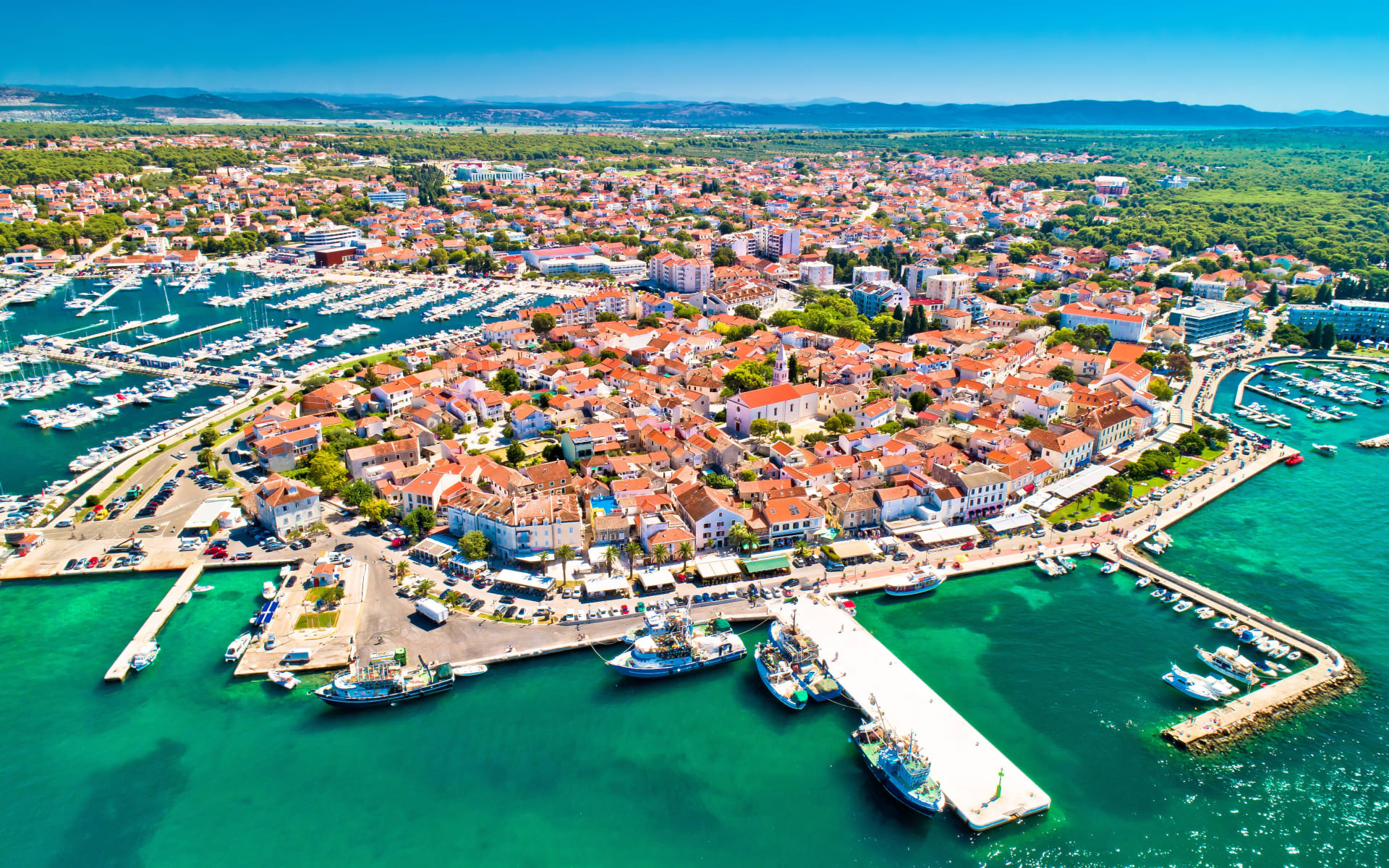 Badeferien im Crvena Luka Hotel & Resort ab Zadar: Biograd_Na_Moru_Stadt_