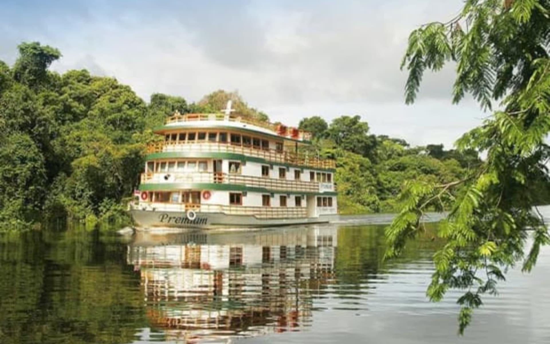 Flussfahrt Amazon Clipper Cruises / Rio Negro ab Manaus: Clipper Premium von vorne