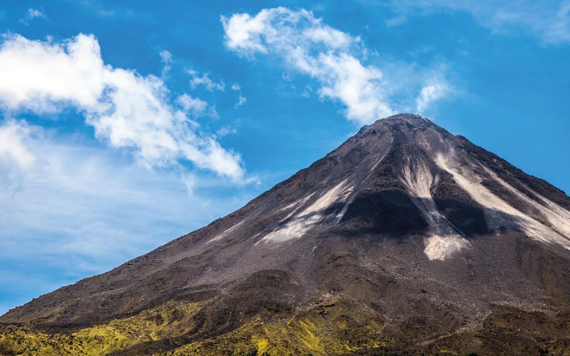 Mietwagenreise Traumhaftes Costa Rica ab San José City: Costa Rica - Arenal Vulkan - Sicht auf Vulkan