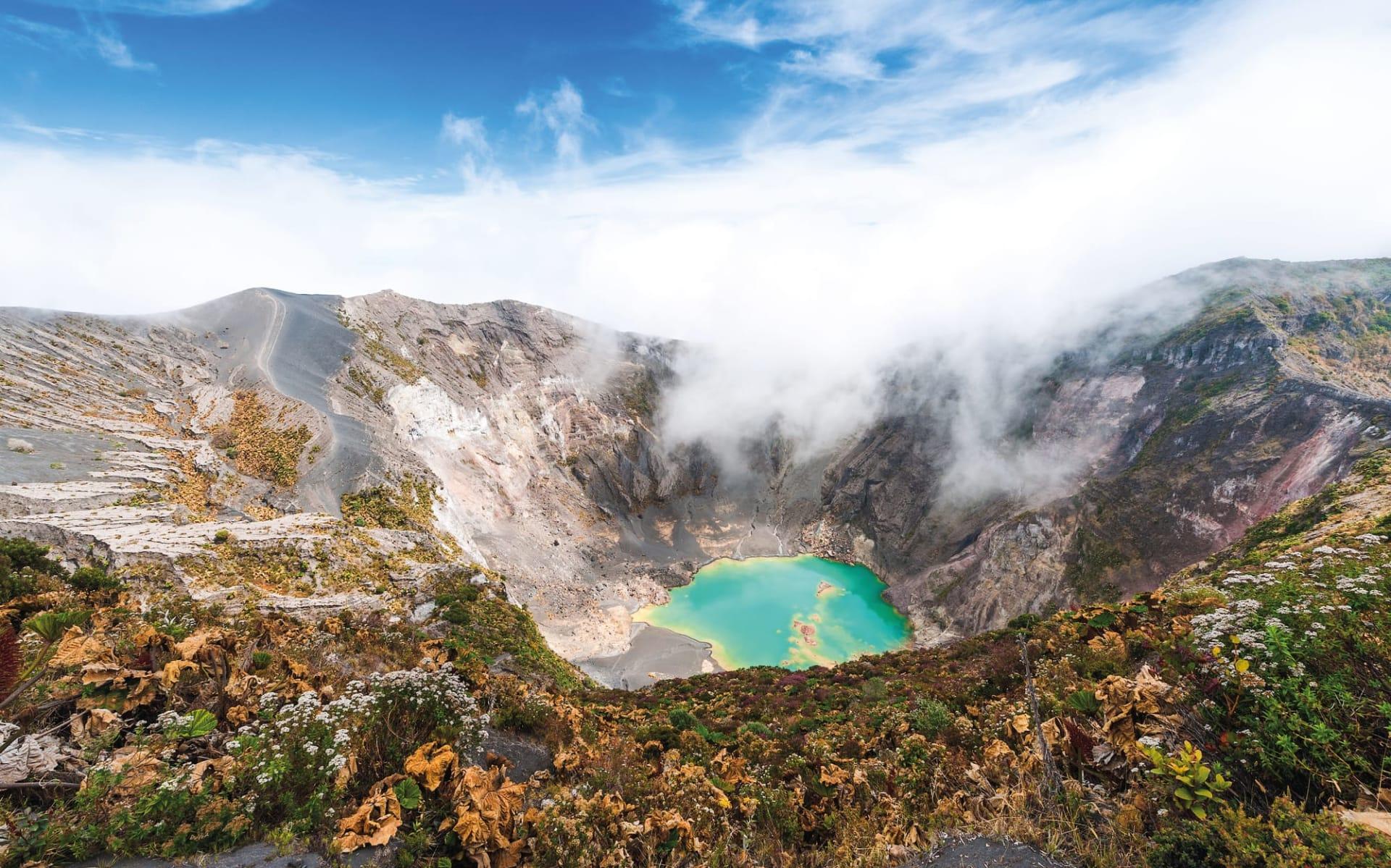Wanderreise Costa Rica ab San José City: Costa Rica - Irazú Vulkan - Blick auf Krater