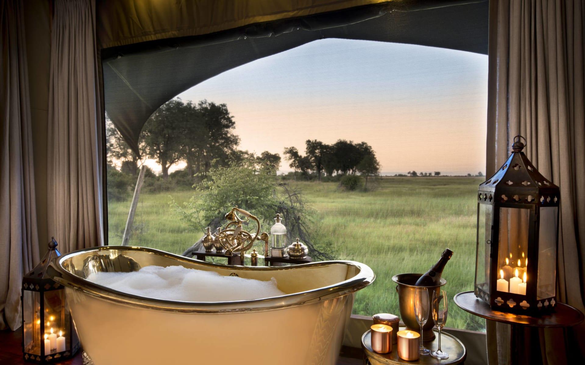 Duba Plains Camp in Okavango Delta: DubaPlains_GuestTent_BathView