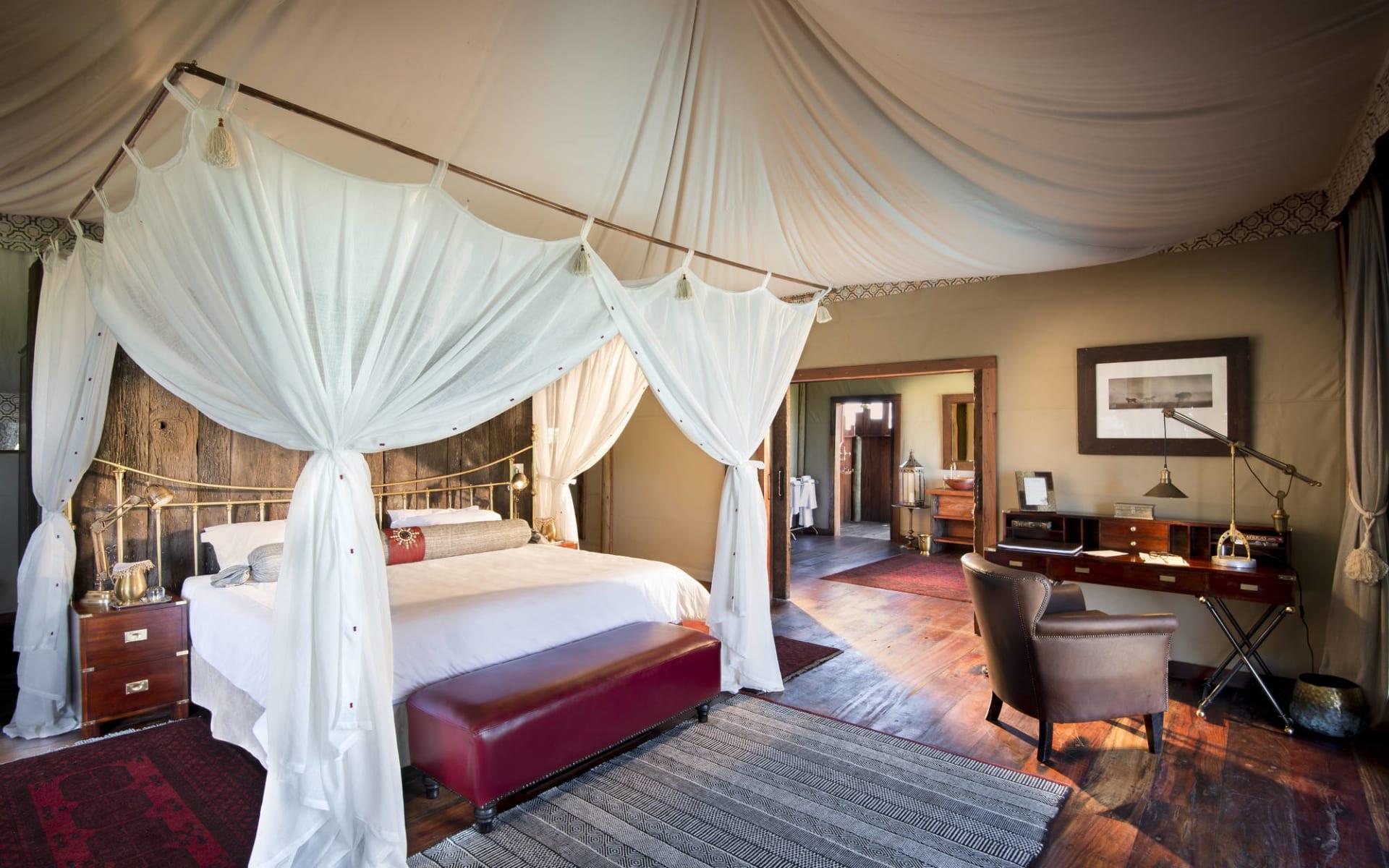 Duba Plains Camp in Okavango Delta: DubaPlains_GuestTent_Interior