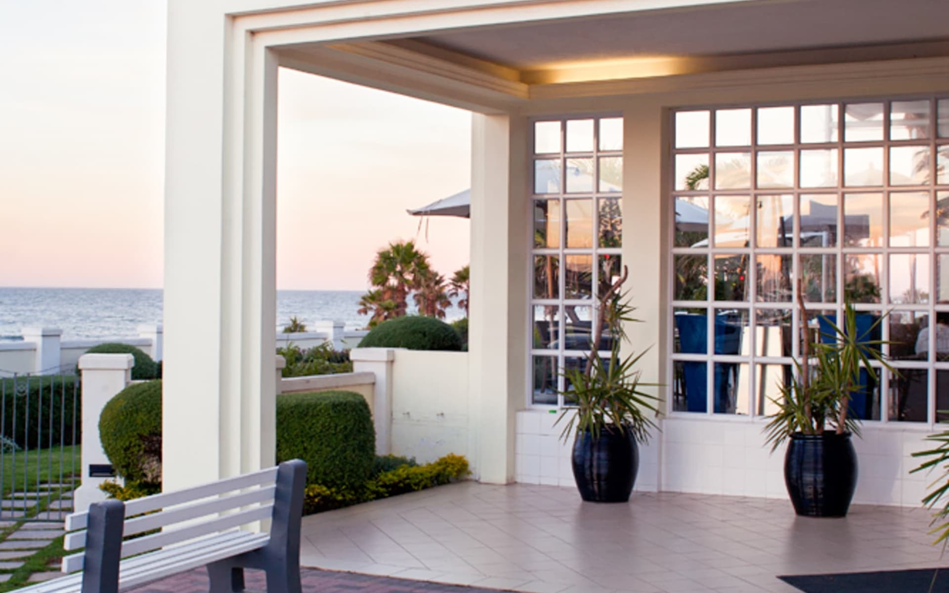 The Beach Hotel in Port Elizabeth: Entrance The Beach Hotel