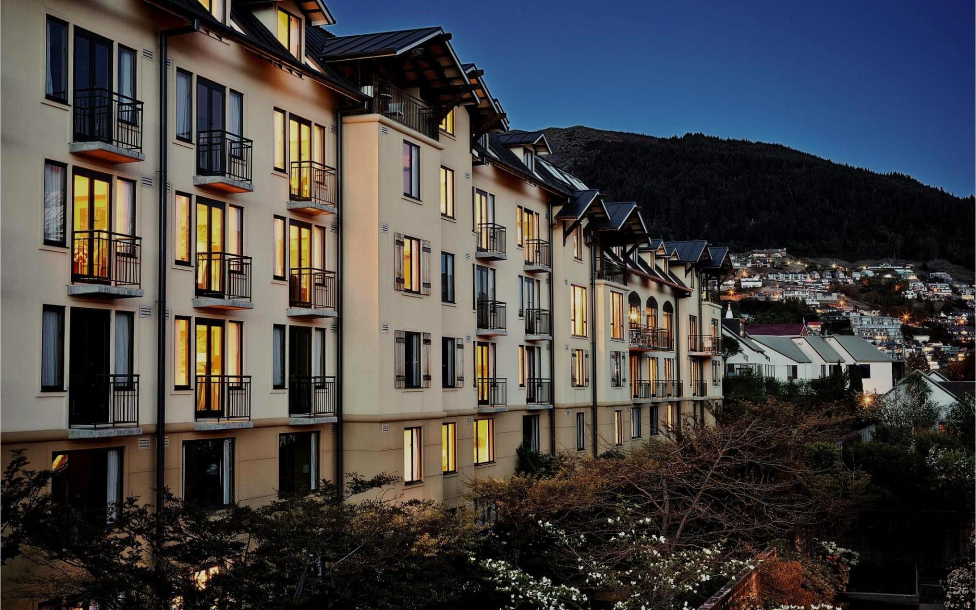 Hotel St Moritz Queenstown:  1 Exterior