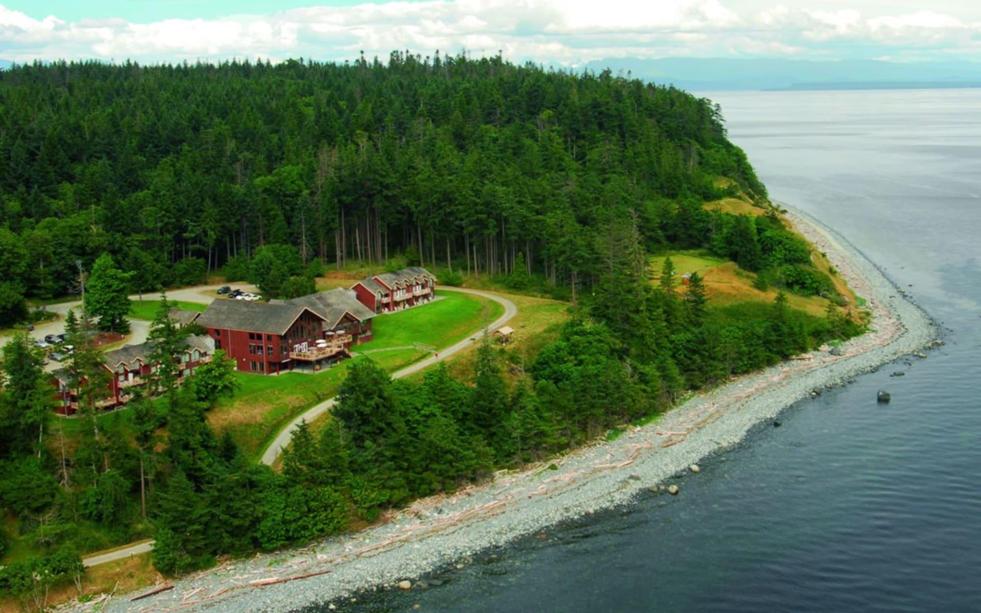 Tsa Kwa Luten Lodge in Quadra Island:  2011_142_02_tsa kwa luten