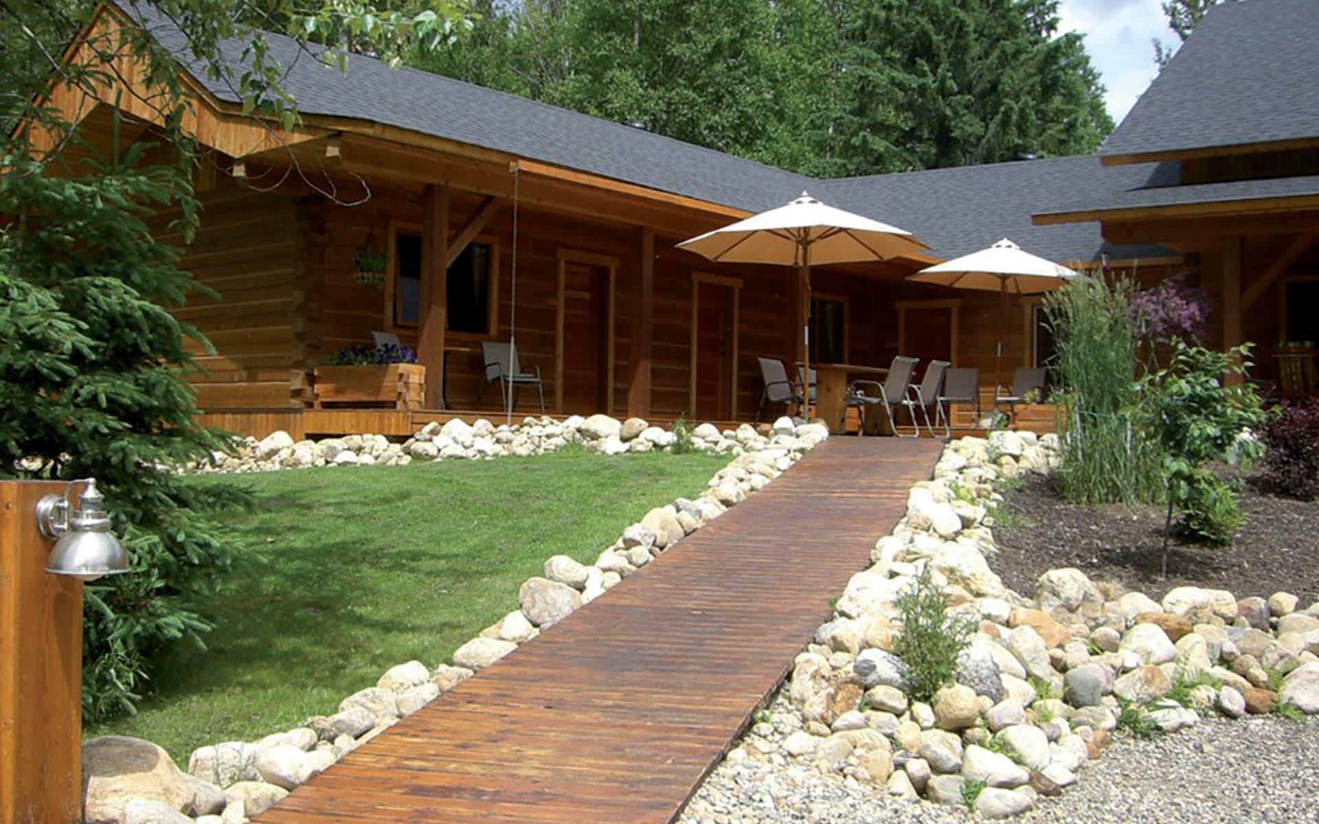 Moul Creek Lodge in Clearwater:  2014_163_02_Moul Creek Lodge