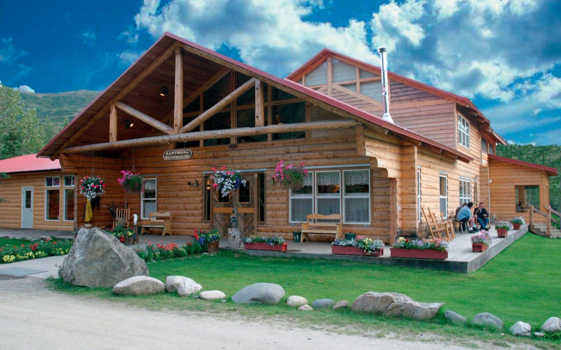 Kantishna Roadhouse in Denali National Park:  2016_095_06_Kantishna Roadhouse_Main Lodge