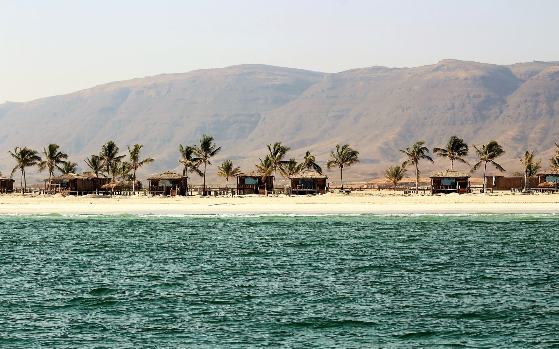 Unberührter Oman ab Salalah: exterior: