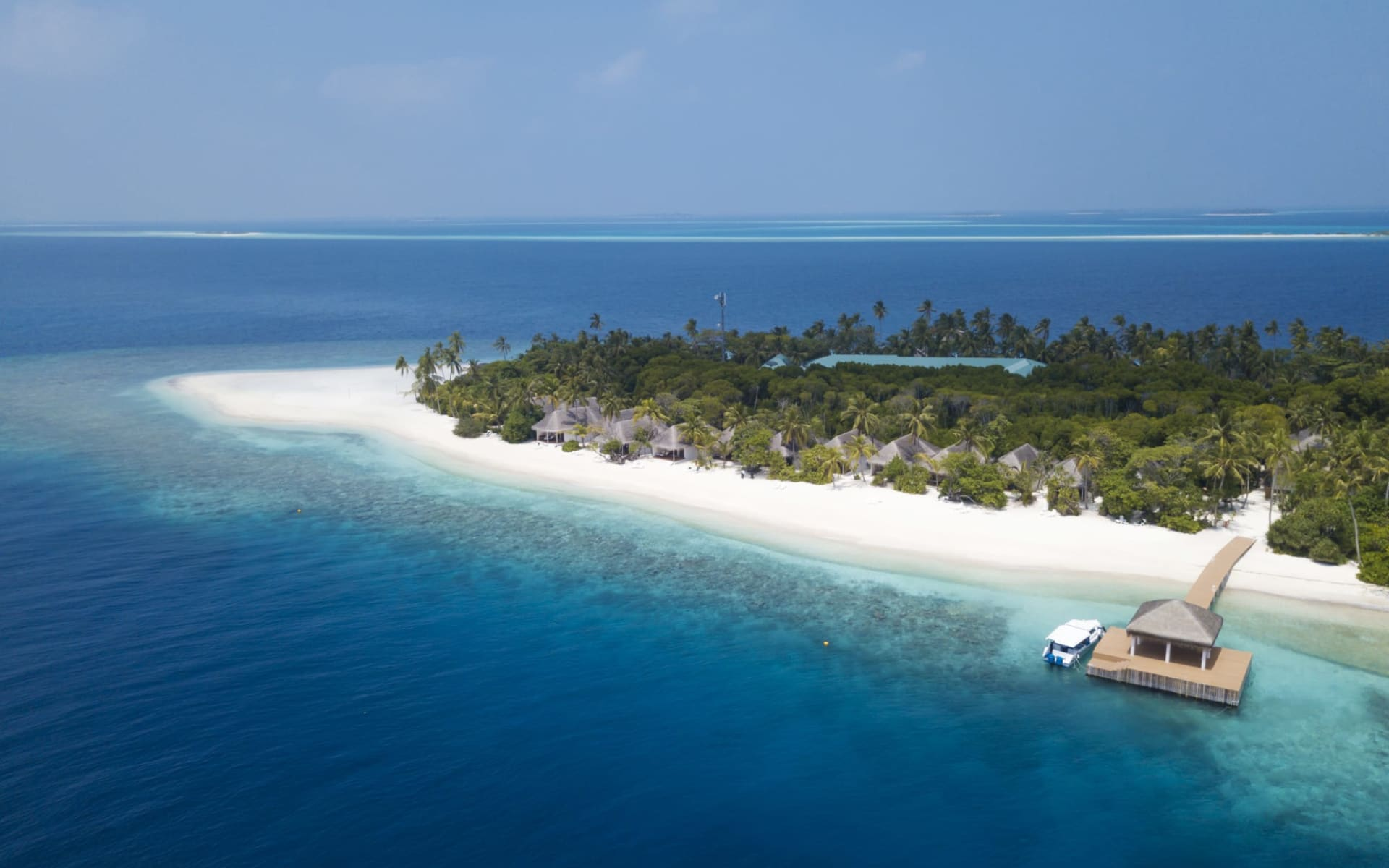 Dreamland The Unique Sea & Lake Resort / Spa in Baa-Atoll: