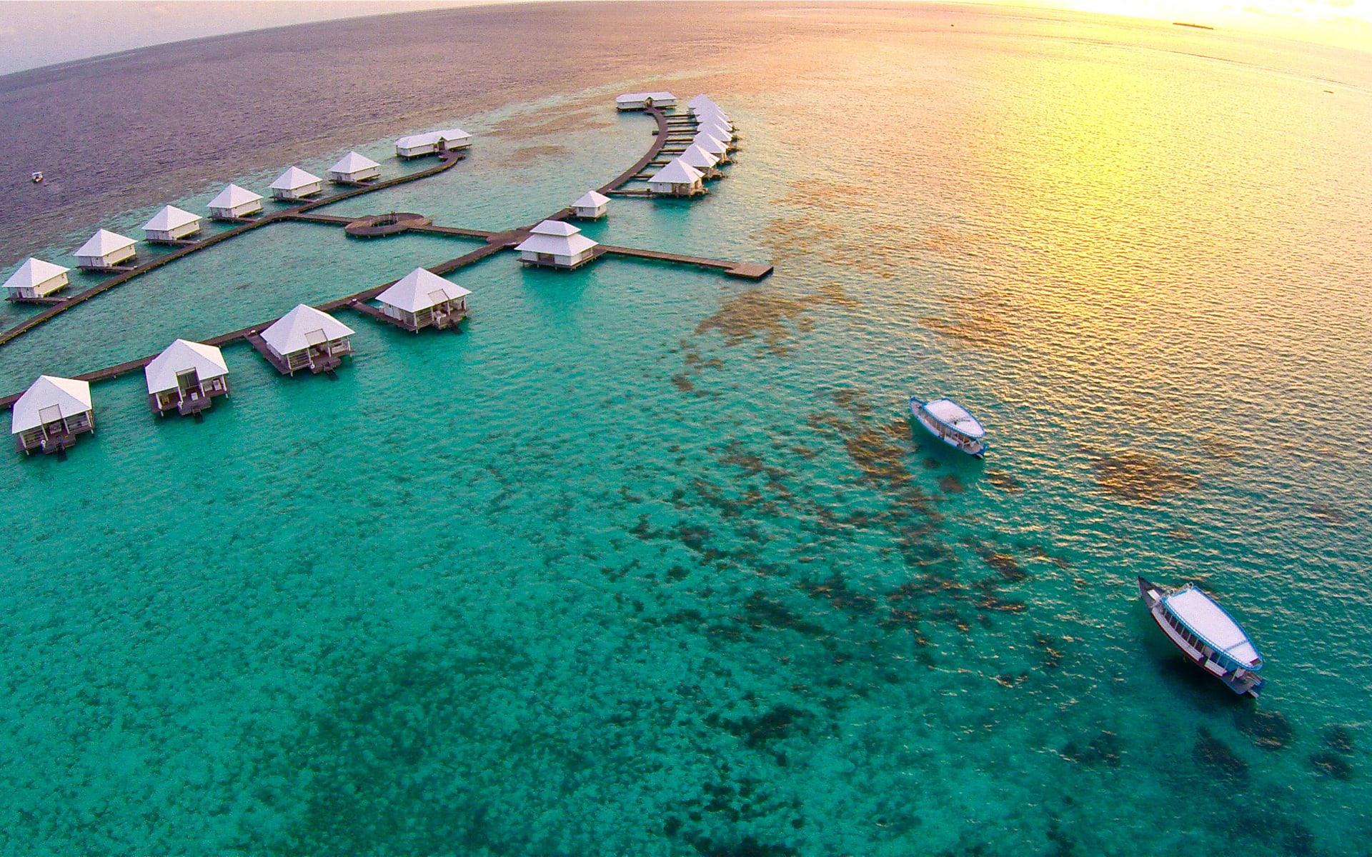 Diamonds Athuruga in Ari-Atoll: