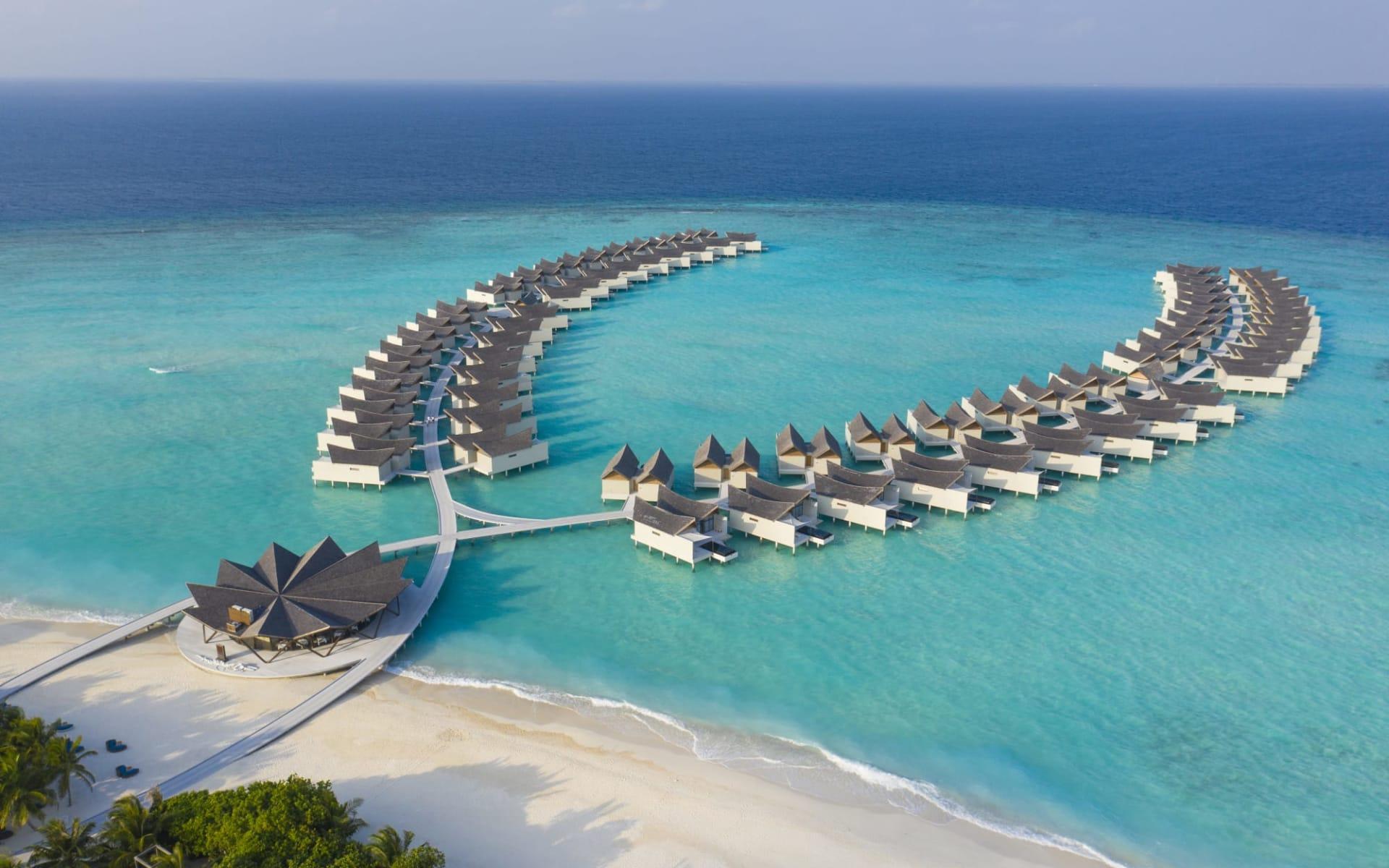 Mövenpick Resort Kuredhivaru Maldives in Noonu-Atoll: