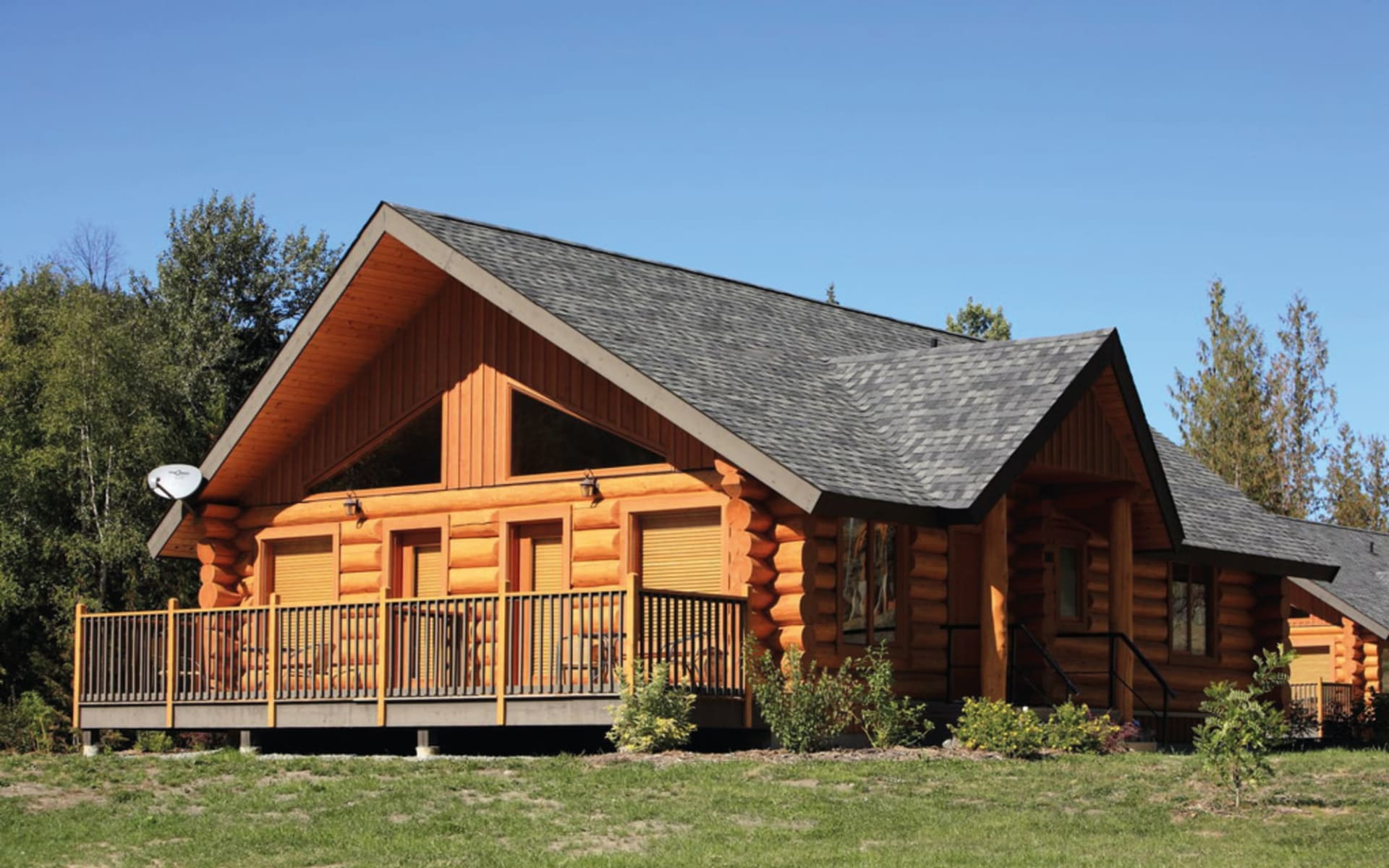 Alpine Meadows Resort in Clearwater:  Alpine Meadows_Aussenansicht Chalet_Jonview