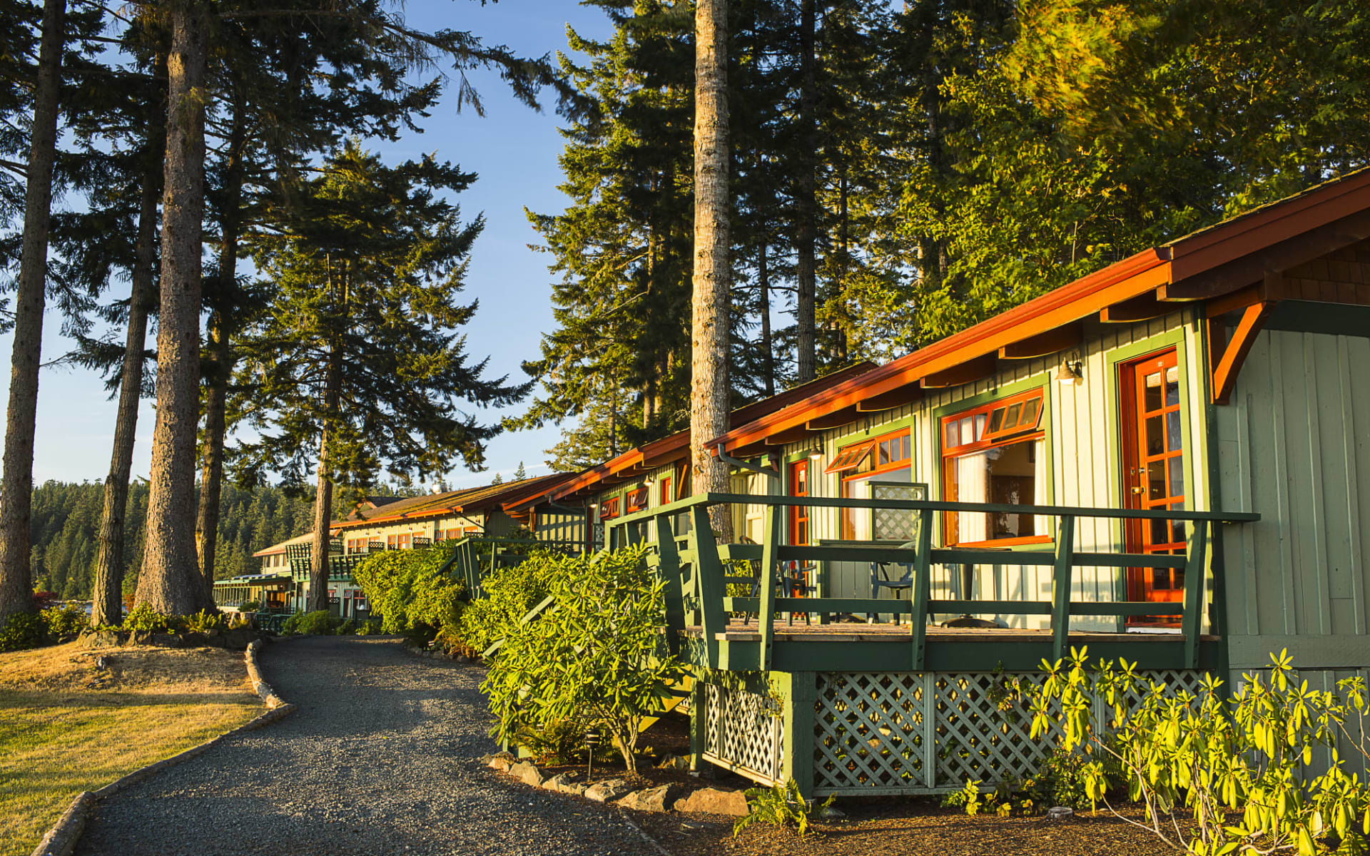 April Point Resort & Spa in Quadra Island:  April Point Lodge_YBLAP_exterior_027