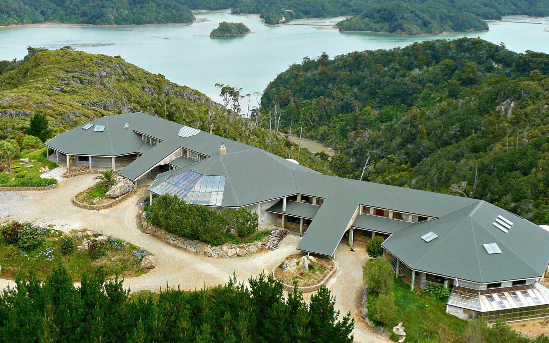 Westhaven Retreat in Abel Tasman:  arial lodge 4.6MB